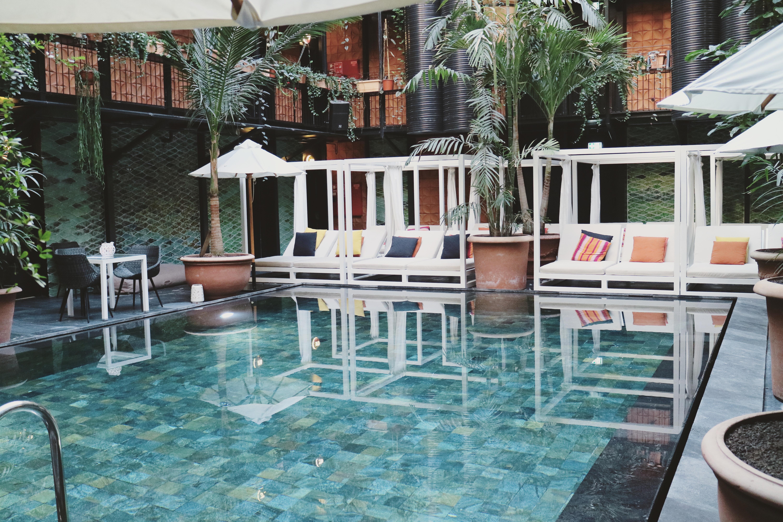 manon_les_suites_guldsmeden_Hotels_pool