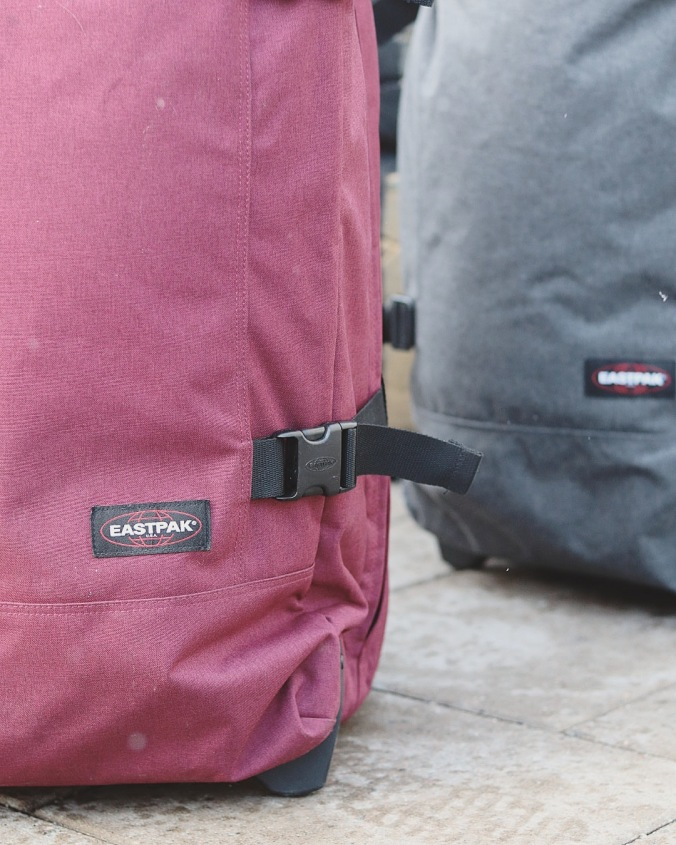 eastpak_built_to_resist_friendcation