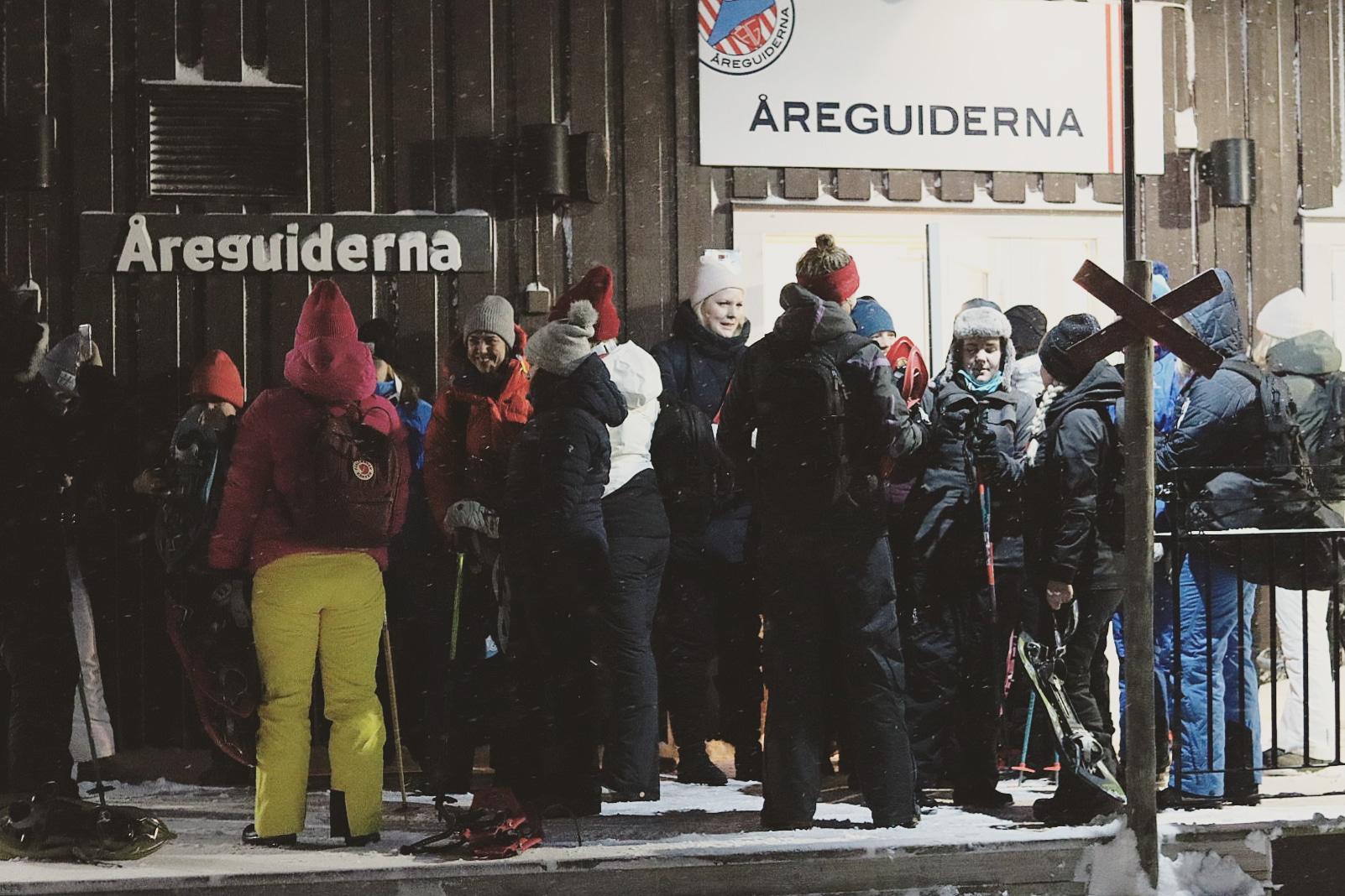 friendcation_åreguiderna_snöskor